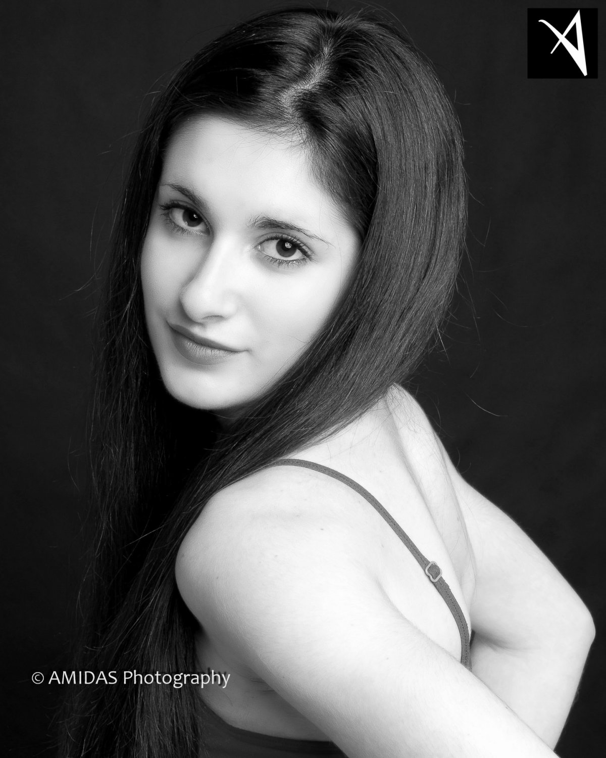 AMIDAS-Corporate-Headshots-London-06bw.jpg
